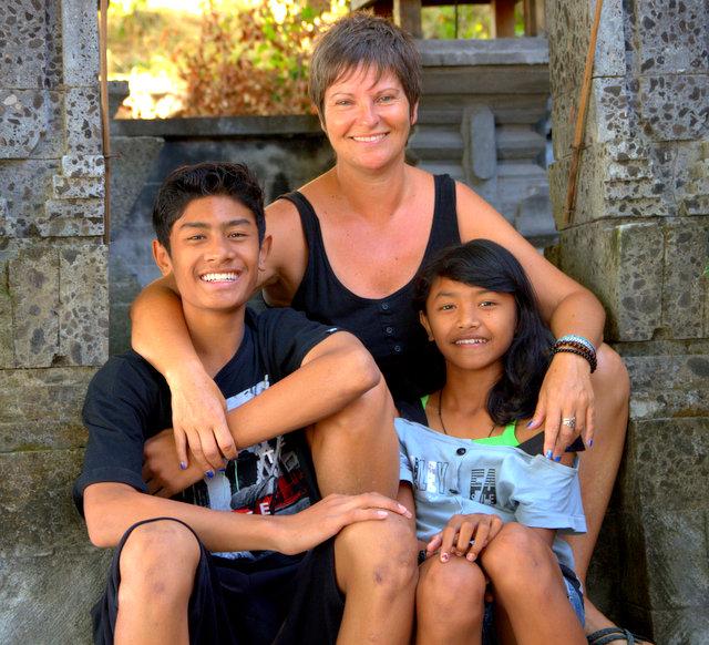 Paula Johnson sponsors Bali kids, Yogi and Ari